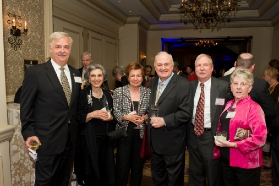 David and Diane Berg (far right) at the 2013 Power & Promise Dinner with fellow scholarship supporters.